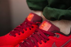nike-air-max-1-ultra-moire-university-red-5
