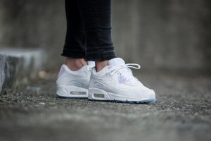 nike-wmns-air-max-90-premium-white-blue-multicolor-443817-104-mood-2