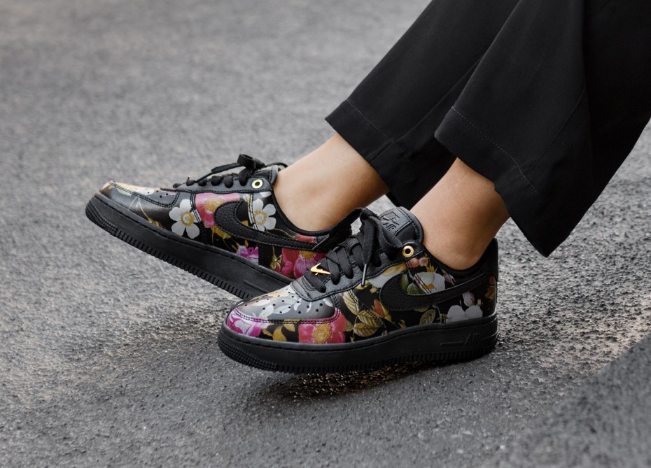 AO1017-002 ナイキエアフォース1'07ローLXXフローラル/NIKE AIR FORCE 1 07 LOW LXX Floral
